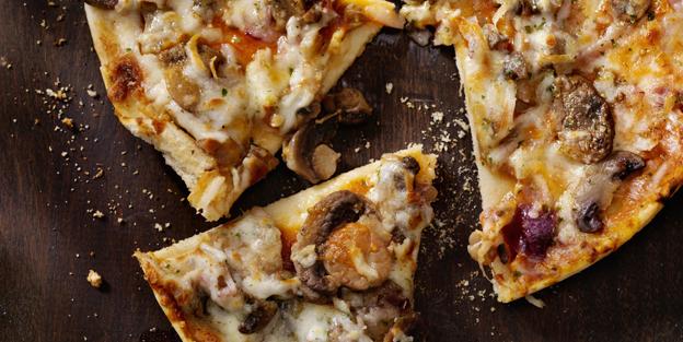 pizza de champiñones y chorizo Palacios